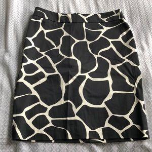 NWOT White house black market size 4 skirt.